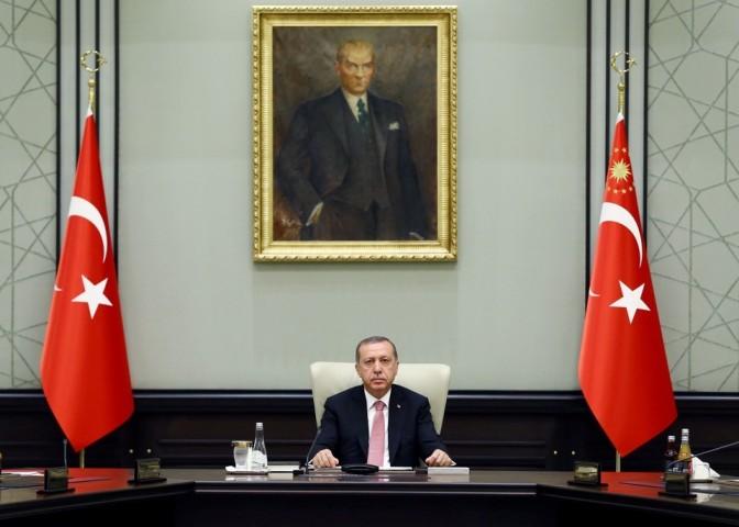 Le président turc s'éloigne de ses alliés occidentaux