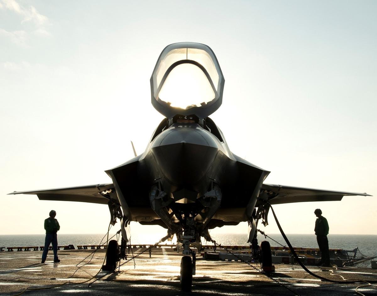 Une nouvelle étude comparative entre le F35 américain et le J-20chinois